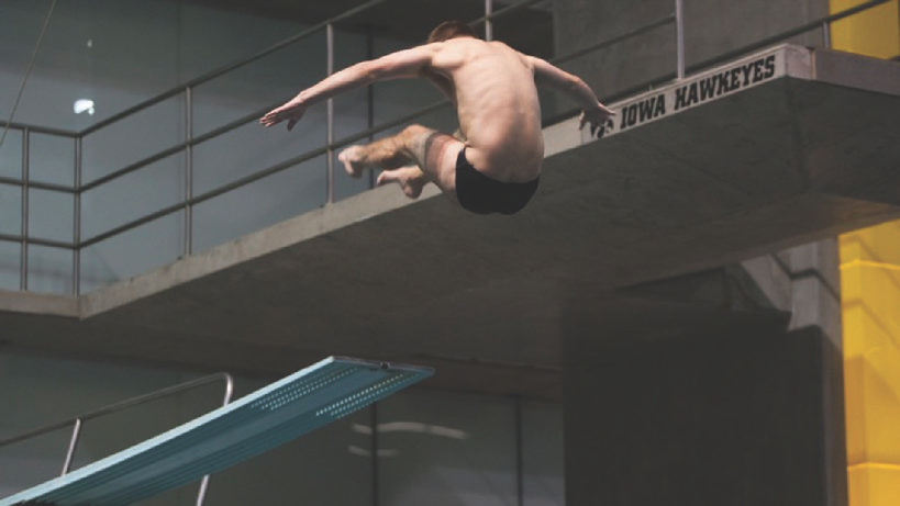3 Hawkeyes compete in diving finals