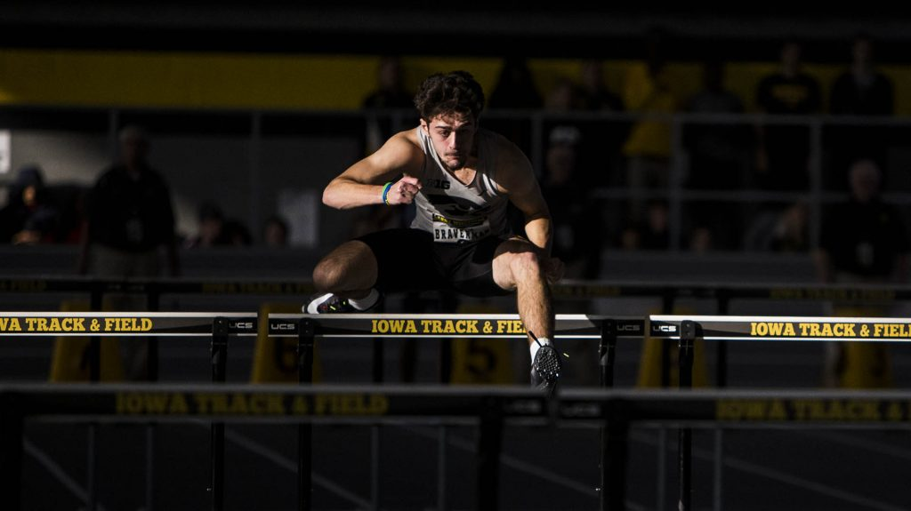 Iowa%27s+Josh+Braverman+competes+during+the+Larry+Wieczorek+Invitational+on+Saturday%2C+Jan.+20%2C+2017.+%28Nick+Rohlman%2FThe+Daily+Iowan%29