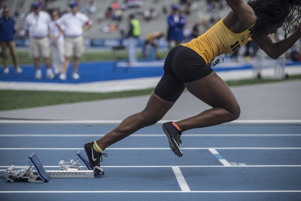 Iowa%27s+Jahisha+Thomas+starts+off+the+blocks+during+the+womens%27+4x100+meter+relay+in+the+2018+Drake+Relays+at+Drake+Stadium+in+Des+Moines%2C+Iowa+on+Friday%2C+April+27%2C+2018.+Iowa+finished+second+with+a+time+of+45.58.+%28Ben+Allan+Smith%2FThe+Daily+Iowan%29