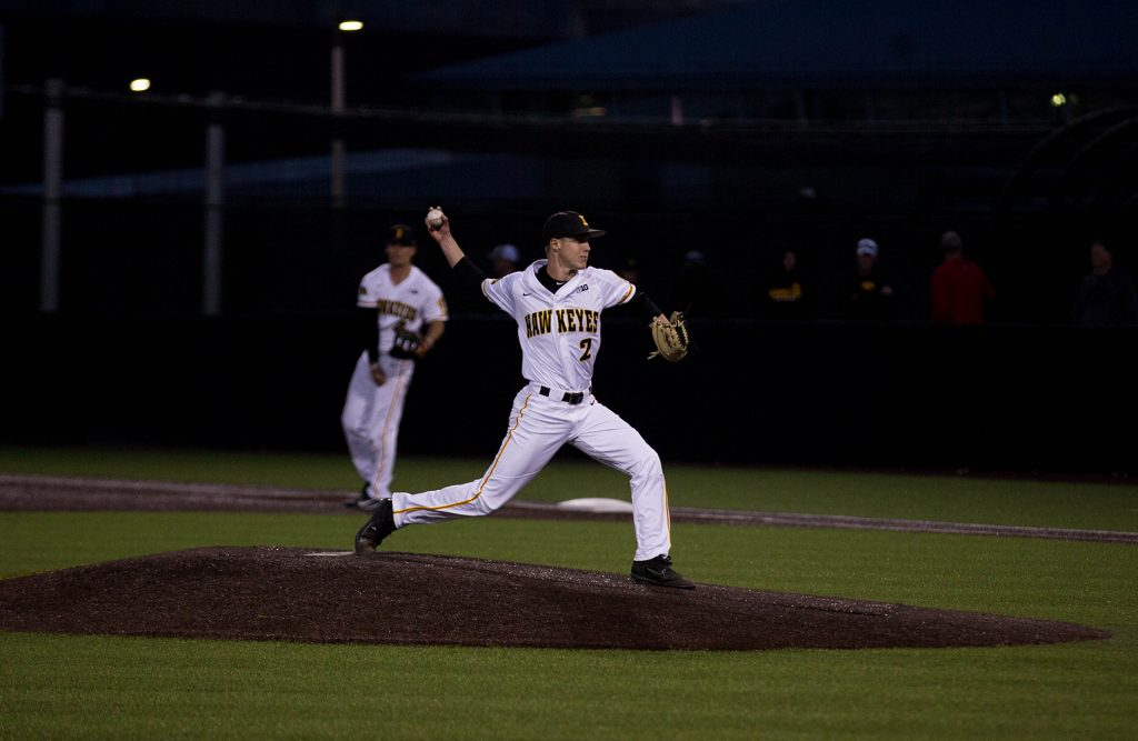 Zach+Daniels+pitches+during+Iowa%27s+game+against+Michigan+at+Banks+Field++on+April+27%2C+2018.+The+Hawkeyes+won+the+game+4-2.+%28Megan+Nagorzanski%2FThe+Daily+Iowan%29