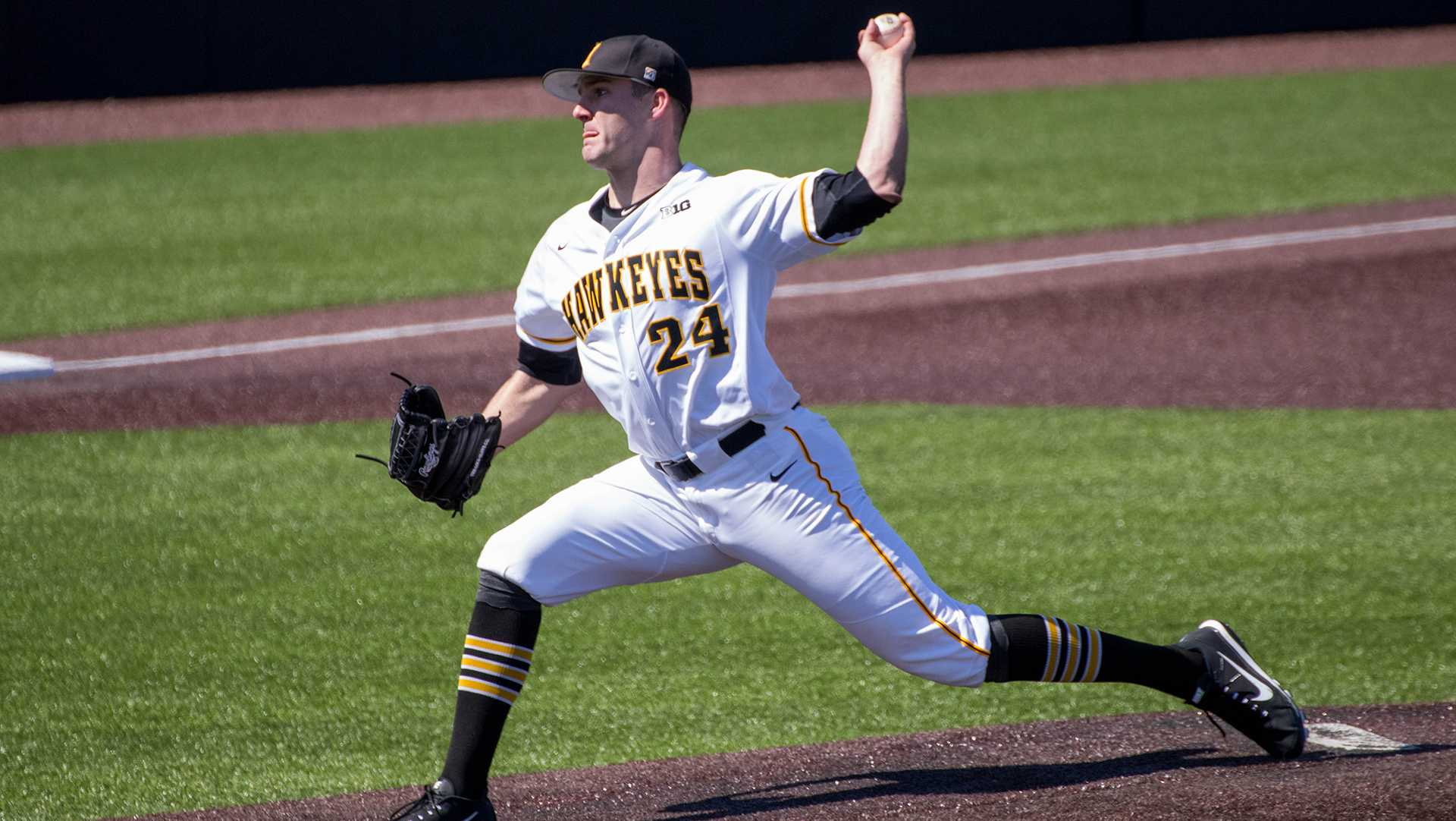 Nick Allgeyer pitches during Iowa baseball vs. Ohio State at Duane Banks Field on April 7, 2018. The Hawkeyes were defeated 2-1. (Megan Nagorzanski/The Daily Iowan)
