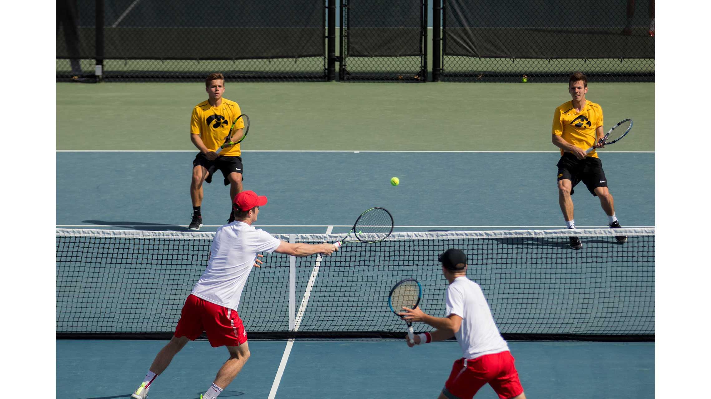 Hawkeye tennis drops quarterfinal match