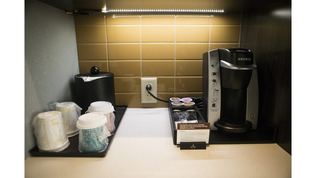 A+Keurig+coffee+machine+is+seen+during+a+ribbon+cutting+event+for+the+Hilton+Garden+Inn+on+Clinton+Street+on+Thursday%2C+Nov.%2C+30%2C+2017.+%28File+Photo%2FThe+Daily+Iowan%29