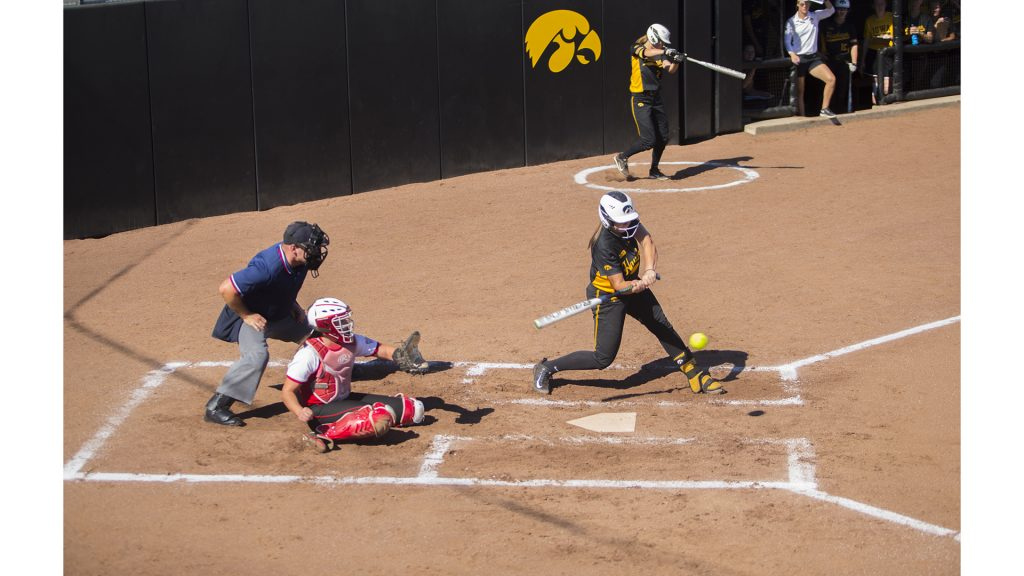 Iowa+catcher+Angela+Schmiederer+bats+during+the+final+Fall+Ball+softball+game+against+NIU+at+Pearl+Field+on+Sunday%2C+Oct.+8%2C+2017.+The+Huskies+defeated+the+Hawkeyes%2C+9-2.+%28Lily+Smith%2FThe+Daily+Iowan%29