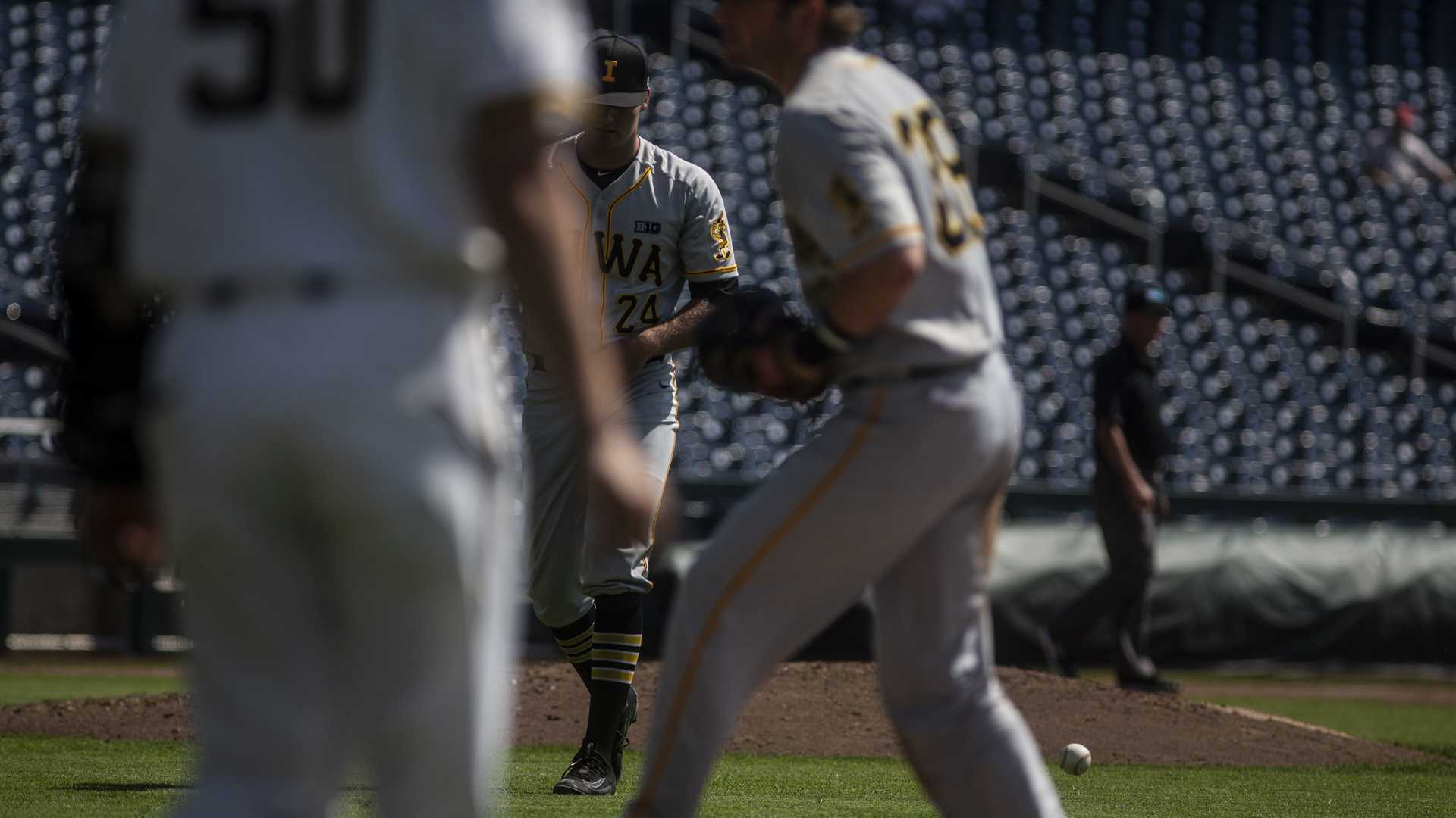 Allgeyer's monster outing spoiled by Hawkeye bats