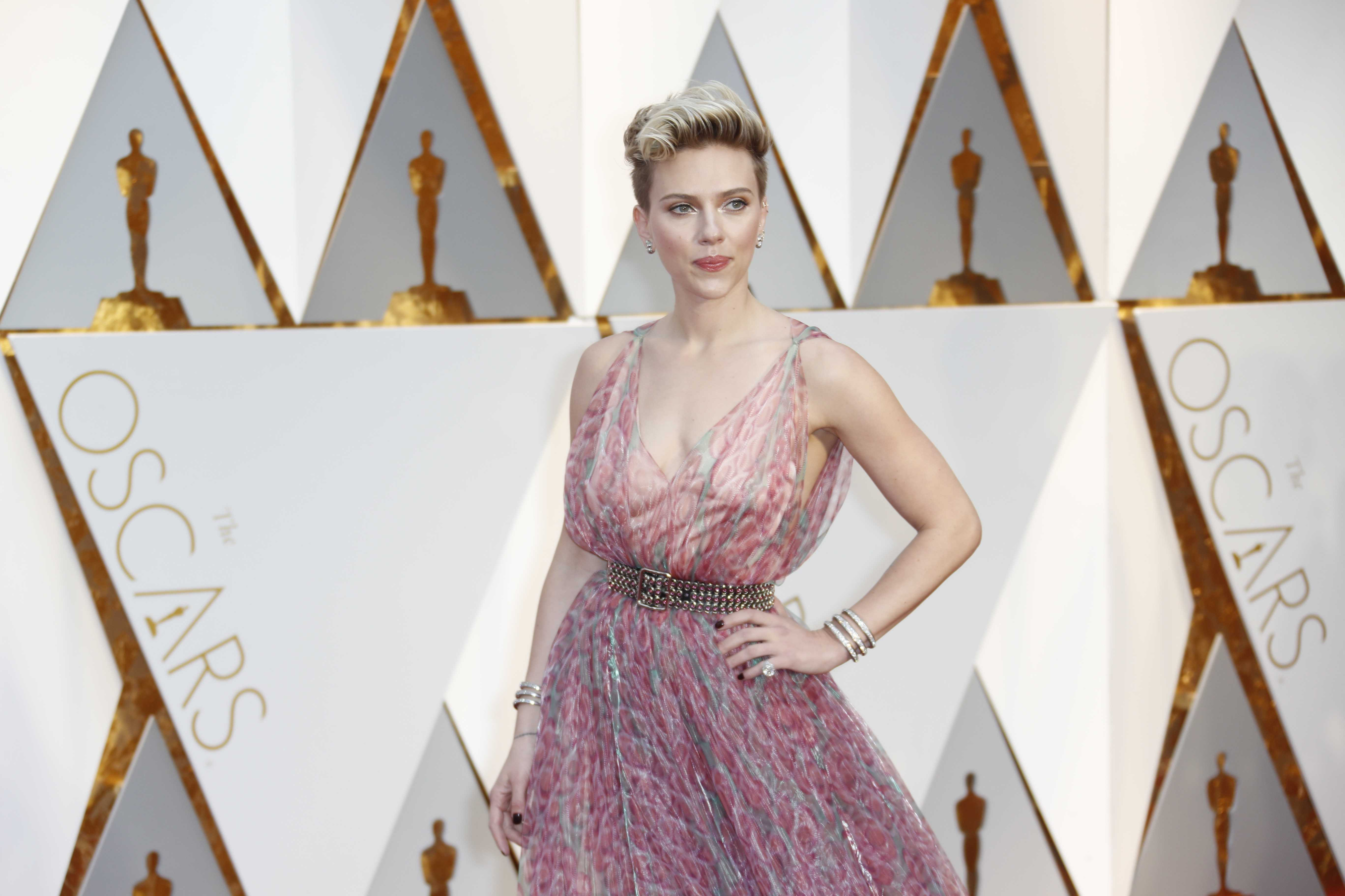 Scarlett Johansson arrives at the 89th Academy Awards on Sunday, Feb. 26, 2017, at the Dolby Theatre at Hollywood & Highland Center in Hollywood. (Jay L. Clendenin/Los Angeles Times/TNS)