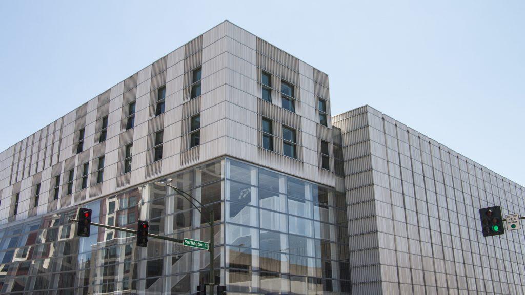 The+Voxman+Building+is+seen+on+July+8%2C+2018.+%28Katina+Zentz%2FThe+Daily+Iowan%29