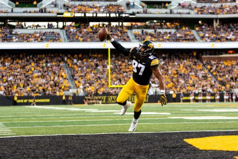 Iowa Hawkeyes tight end Noah Fant (87) celebrates as he crosses the goal line during a game against Northern Iowa at Kinnick Stadium on Saturday, Sep. 15, 2018. The Hawkeyes defeated the Panthers 38–14. (David Harmantas/The Daily Iowan)