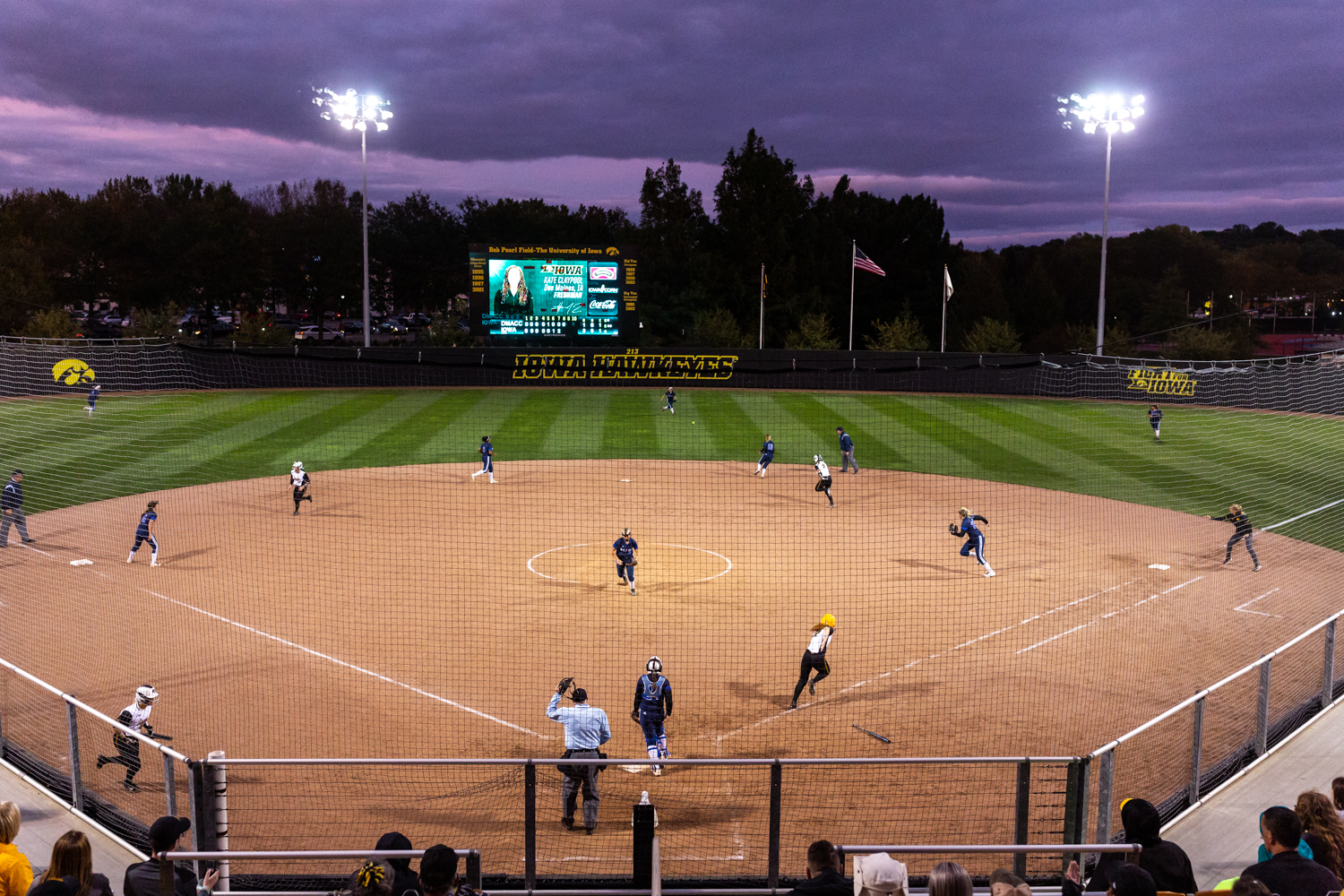 Iowa%27s+Kate+Claypool+sprints+towards+first+base+during+a+softball+game+against+Des+Moines+Area+Community+College+on+Friday%2C+Sept.+21%2C+2018.+The+Hawkeyes+defeated+the+Bears%2C+8-1.