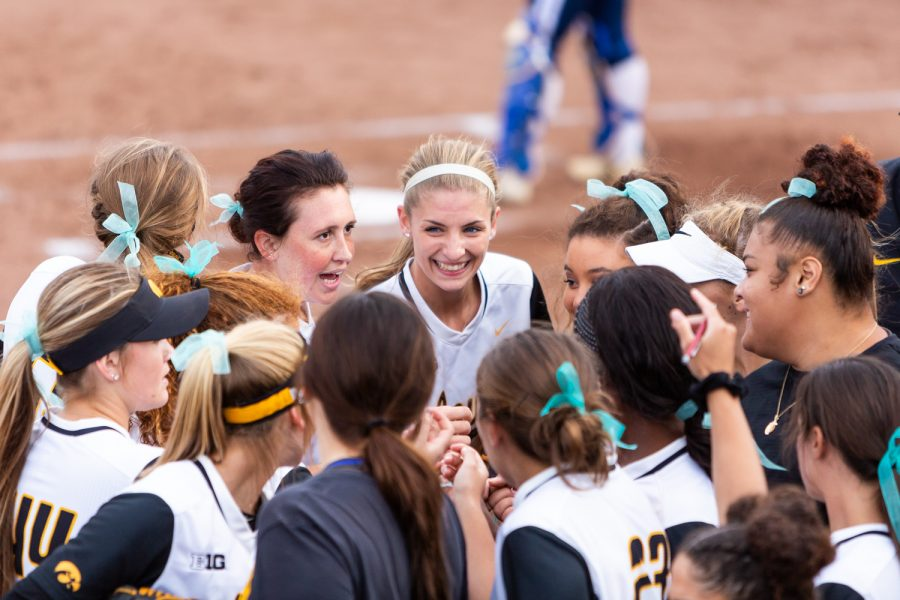 Iowa%27s+Allison+Doocy+smiles+between+innings+with+her+teammates+during+a+softball+game+against+Des+Moines+Area+Community+College+on+Friday%2C+Sep.+21%2C+2018.+The+Hawkeyes+defeated+the+Bears+8-1.
