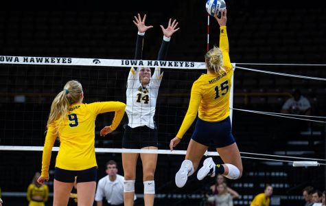 Photos: Volleyball vs. Michigan (9/23/18)