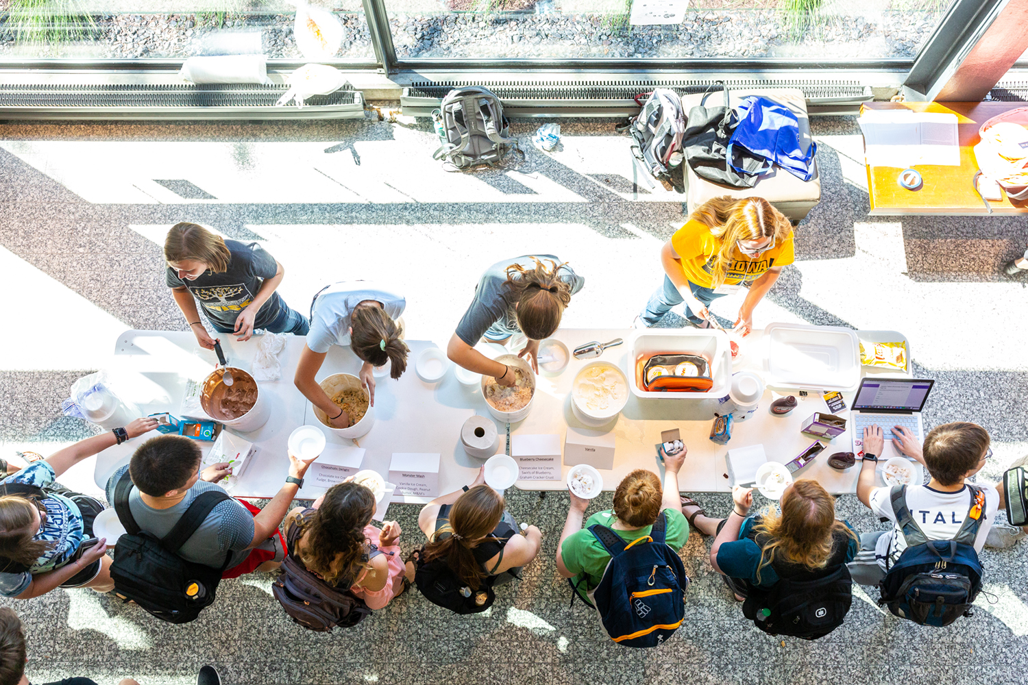 """Members of the Honors Program host an ice cream social called """"Scoops for Scholars"""" in honor of the program's 60th anniversary in the Blank Honors Center Atrium on Sept. 12, 2018."""