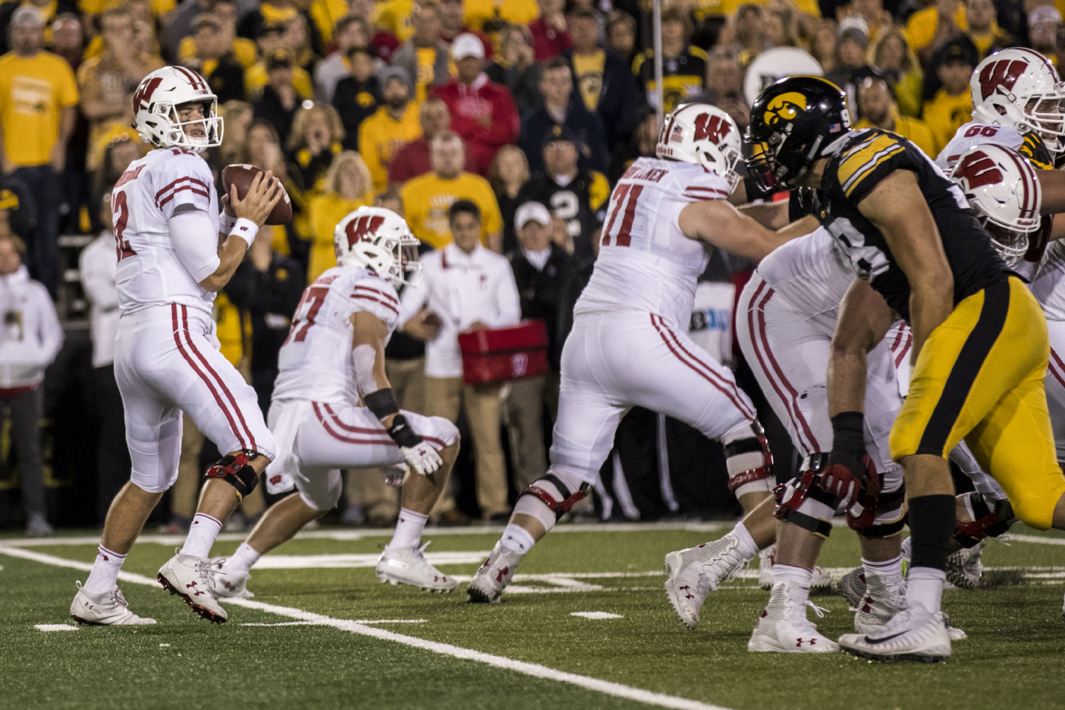 Wisconsin quarterback Alex Hornibrook drops back during Iowa's game against Wisconsin at Kinnick Stadium on Saturday, Sept. 22, 2018. The Badgers defeated the Hawkeyes 28-17.