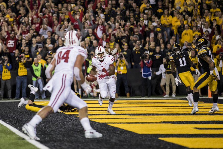 Wisconsin+wide+receiver+A.J.+Taylor+catches+a+touchdown+pass+during+Iowa%27s+game+against+Wisconsin+at+Kinnick+Stadium+on+Saturday%2C+Sept.+22%2C+2018.+The+Badgers+defeated+the+Hawkeyes+28-17.