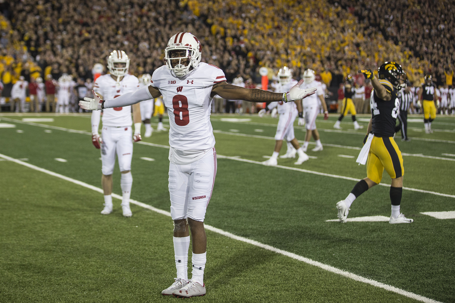 Wisconsin%27s+Deron+Harrell+reacts+to+a+penalty+during+a+football+game+between+Iowa+and+Wisconsin+on+Saturday%2C+September+22%2C+2018.+The+Badgers+defeated+the+Hawkeyes%2C+28-17.+%28Shivansh+Ahuja%2FThe+Daily+Iowan%29