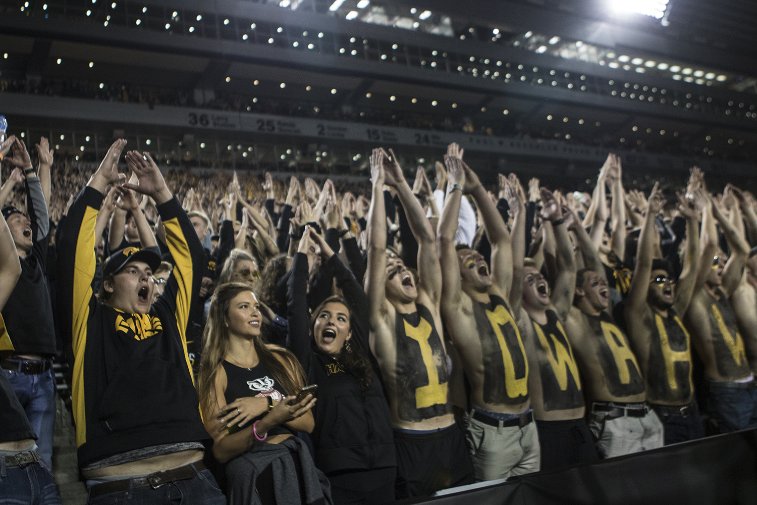Iowa+fans+put+up+the+%22I%22+during+a+football+game+between+Iowa+and+Wisconsin+on+Saturday%2C+September+22%2C+2018.+The+Badgers+defeated+the+Hawkeyes%2C+28-17.+%28Shivansh+Ahuja%2FThe+Daily+Iowan%29