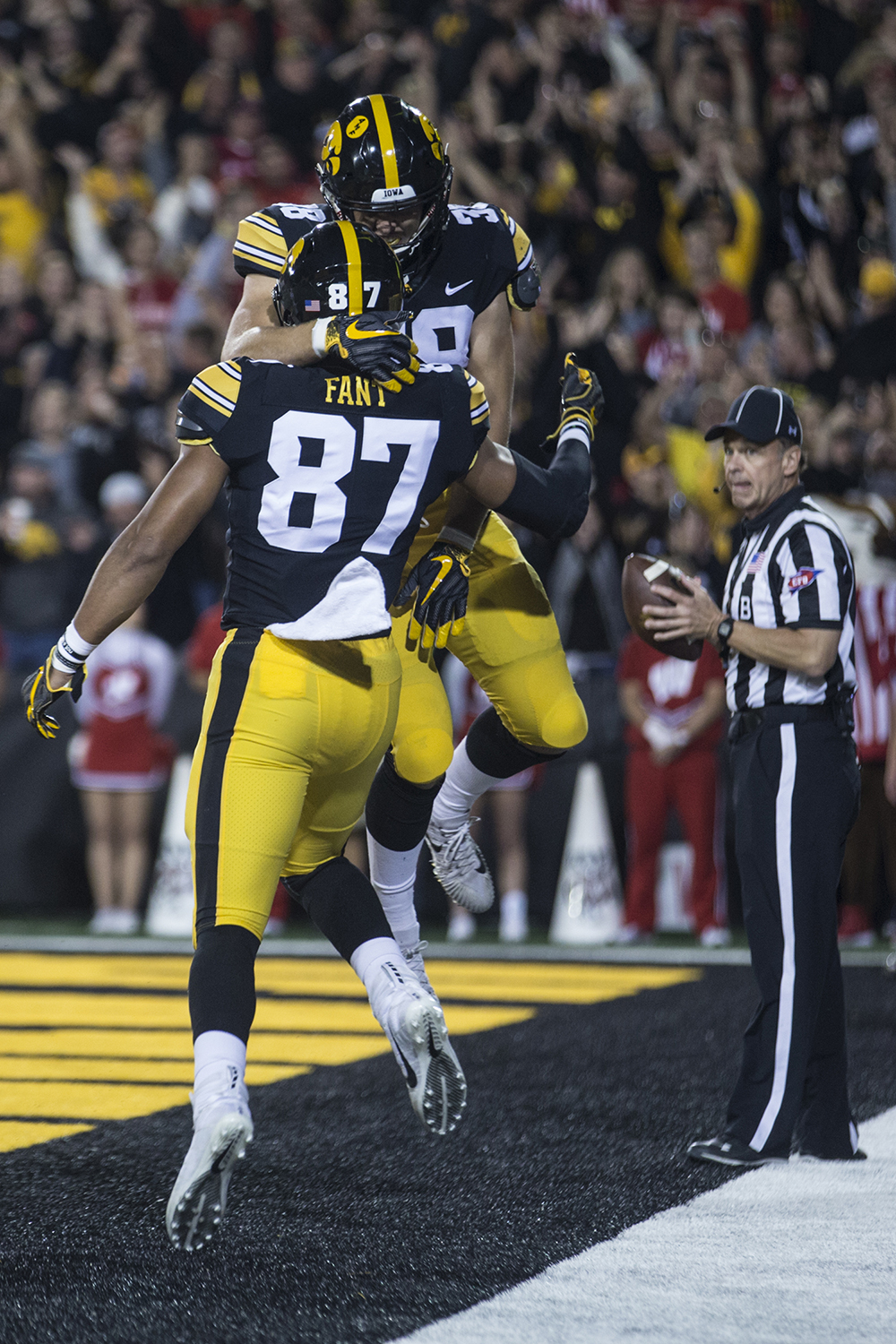 Iowa%27s+Noah+Fant+and+TJ+Hockenson+celebrate+a+touchdown+during+a+football+game+between+Iowa+and+Wisconsin+on+Saturday%2C+September+22%2C+2018.+The+Badgers+defeated+the+Hawkeyes%2C+28-17.+%28Shivansh+Ahuja%2FThe+Daily+Iowan%29