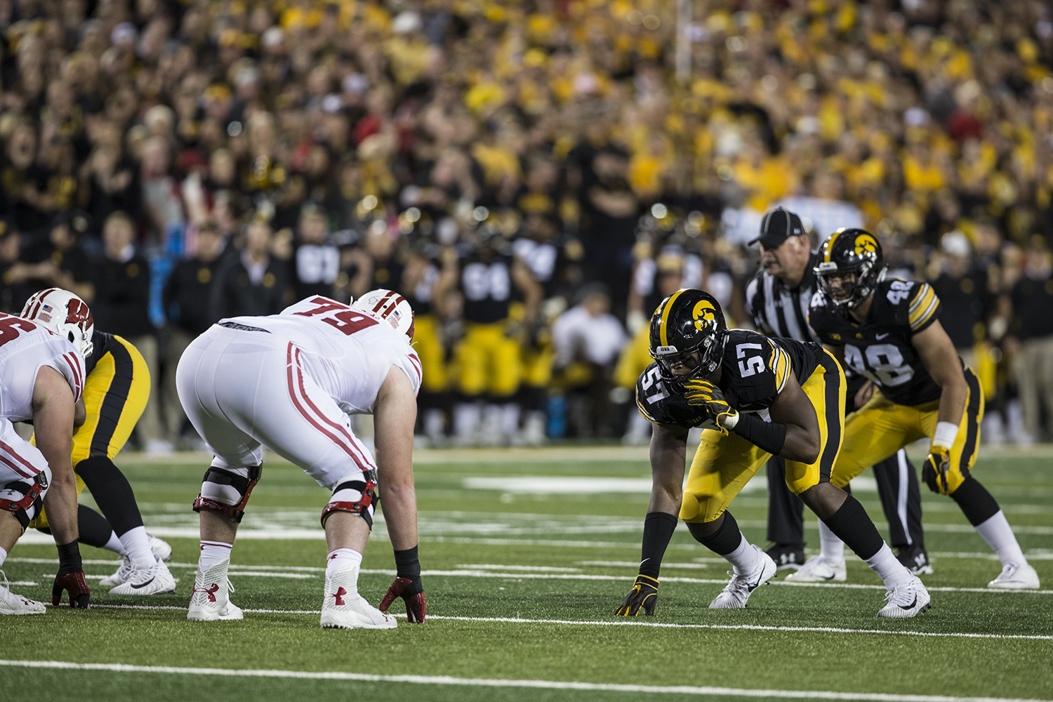 Iowa%27s+Chauncey+Golston+lines+up+on+defense+during+a+football+game+between+Iowa+and+Wisconsin+on+Saturday%2C+September+22%2C+2018.+The+Badgers+defeated+the+Hawkeyes%2C+28-17.+%28Shivansh+Ahuja%2FThe+Daily+Iowan%29