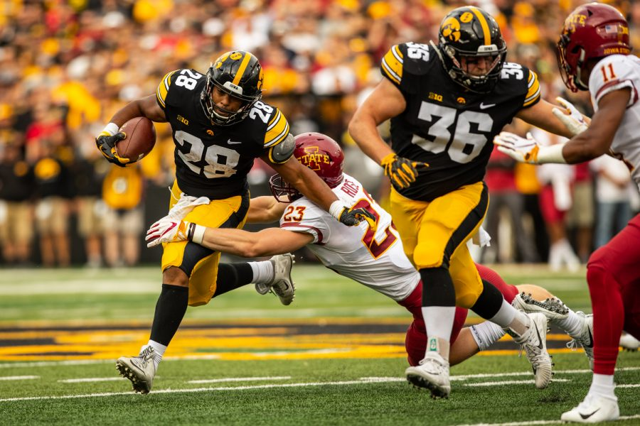 Iowa+running+back+Torren+Young+during+Iowa%27s+game+against+Iowa+State+at+Kinnick+Stadium+on+Saturday%2C+Sept.+8%2C+2018.+The+Hawkeyes+defeated+the+Cyclones+13-3.