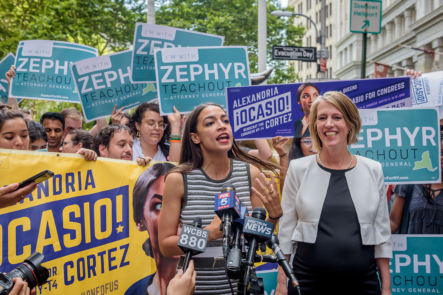 Alexandria Ocasio-Cortez announces her endorsement of Zephyr Teachout for New York attorney general on July 12, 2018, at the Charging Bull statue in lower Manhattan, New York. (Erik McGregor/Sipa USA/TNS)