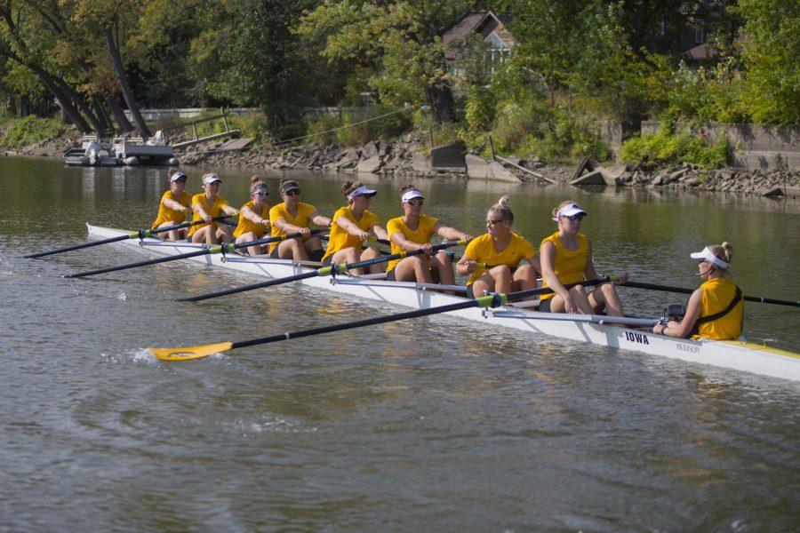 Iowa rowing goes 1-2 at Pac 12 Invitational