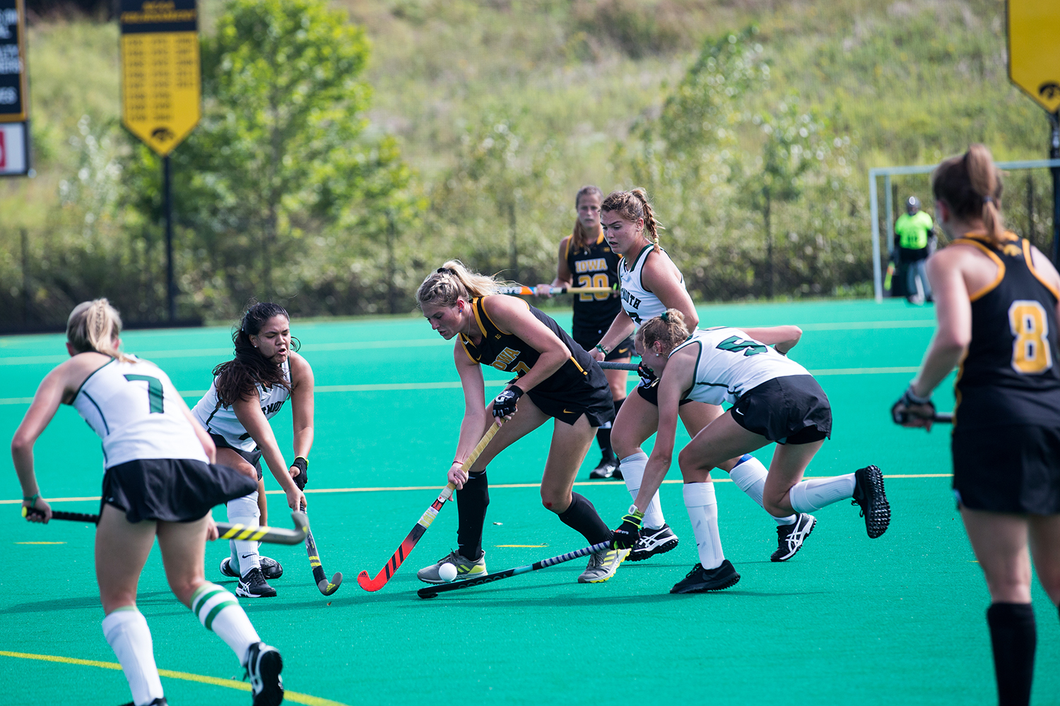 Iowa%27s+Ellie+Holley+navigates+through+the+defense+during+a+field+hockey+match+between+Iowa+and+Dartmouth+College+at+Grant+Field+on+Friday%2C+August+31%2C+2018.+The+Hawkeyes+shut+out+the+Big+Green%2C+6-0.