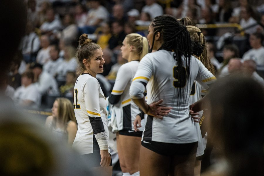 Iowa%27s+Emily+Bushman+talks+with+her+teammates+during+a+volleyball+match+between+Iowa+and+Michigan+State+on+Friday%2C+September+21%2C+2018.+The+Hawkeyes+defeated+the+Spartans%2C+3+sets+to+0.