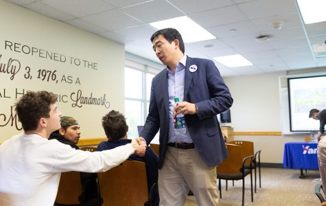 2020 presidential hopeful Andrew Yang wants to give every American $1,000 a month