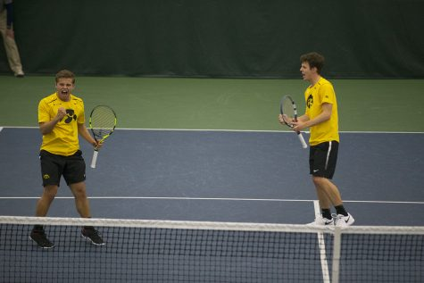 Hawkeye men's tennis hosts pair of Indiana squads