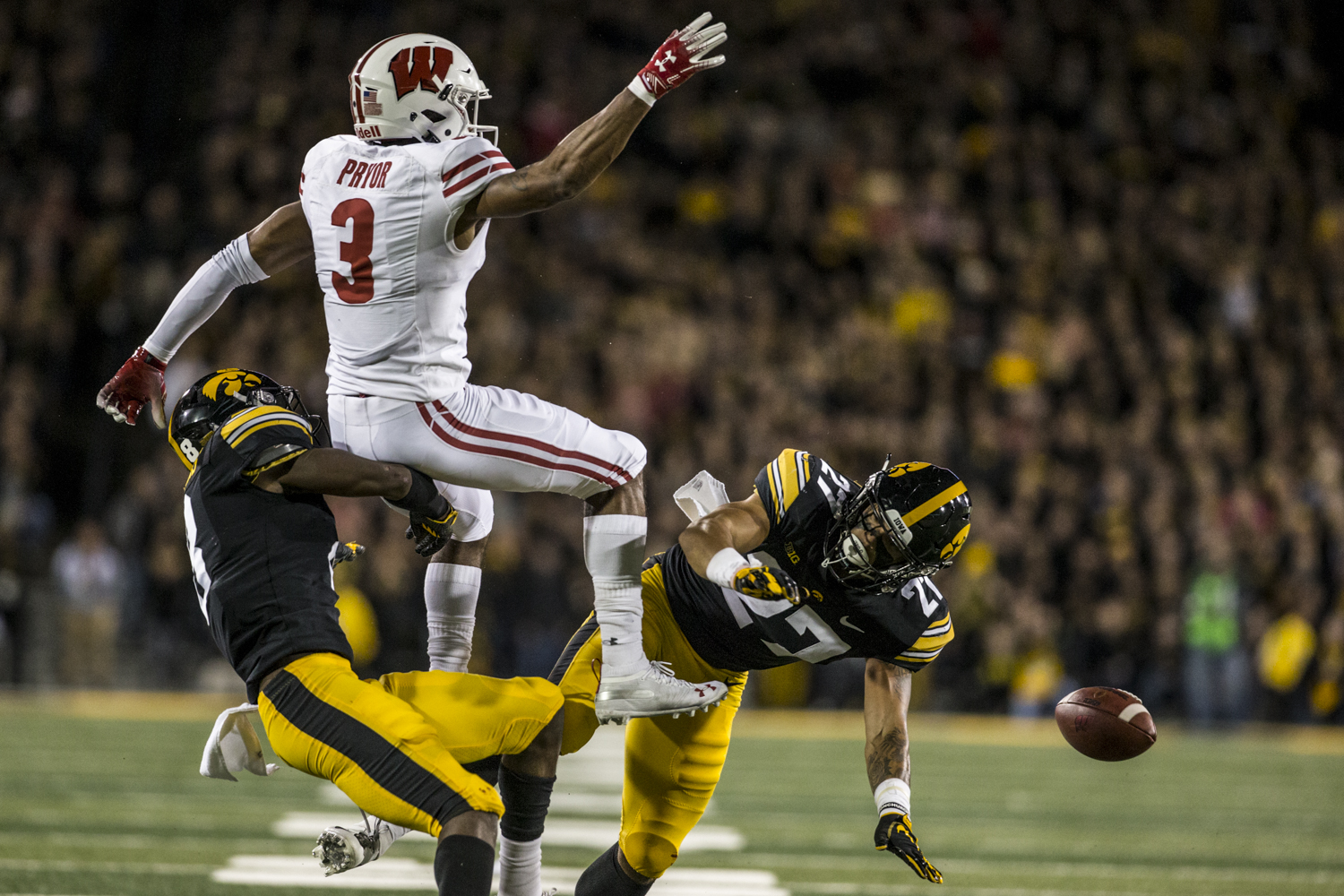 Iowa+defensive+back+Amani+Hooker+breaks+up+a+pass+intended+for+Wisconsin+wide+receiver+Kendric+Pryor+during+Iowa%27s+game+against+Wisconsin+at+Kinnick+Stadium+on+Saturday%2C+September+22%2C+2018.+The+Badgers+defeated+the+Hawkeyes+28-17.