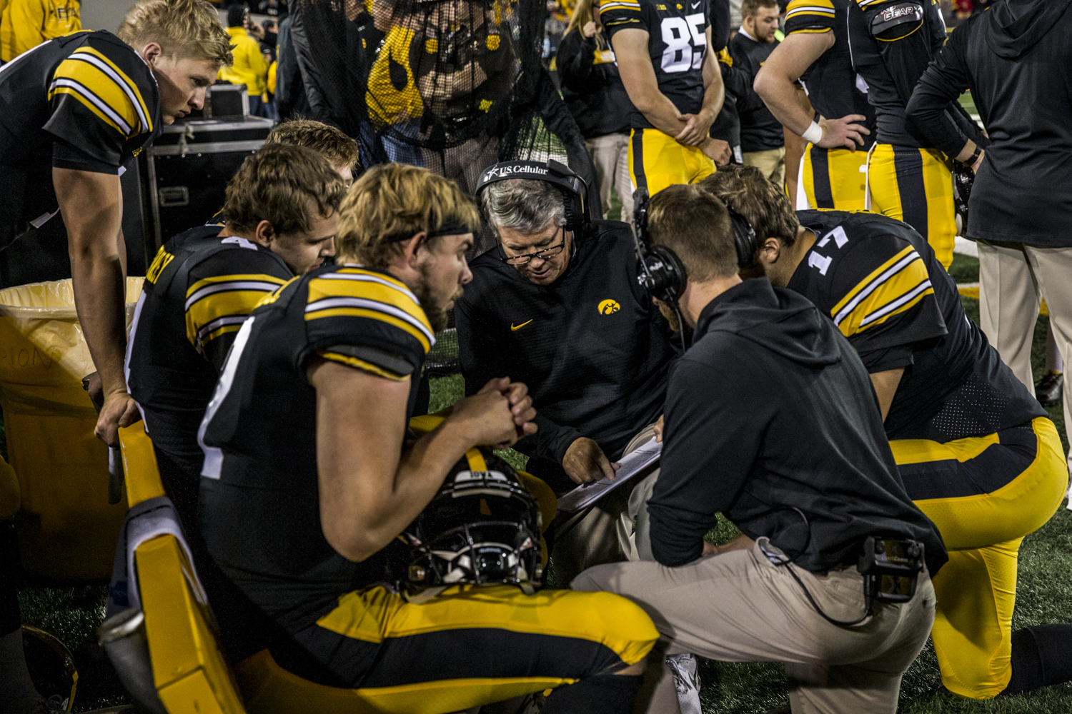 Iowa+quarterbacks+coach+Ken+O%27Keefe+delivers+instructions+during+Iowa%27s+game+against+Wisconsin+at+Kinnick+Stadium+on+Saturday%2C+September+22%2C+2018.+The+Badgers+defeated+the+Hawkeyes+28-17.