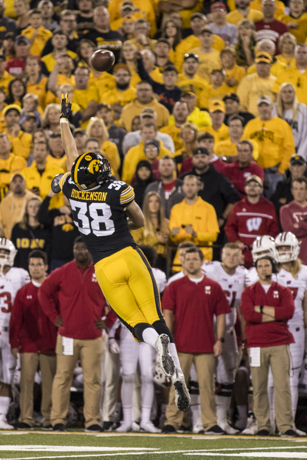 Iowa+tight+end+T.J.+Hockenson+jumps+as+a+pass+sails+over+his+head+during+Iowa%27s+game+against+Wisconsin+at+Kinnick+Stadium+on+Saturday%2C+September+22%2C+2018.+The+Badgers+defeated+the+Hawkeyes+28-17.