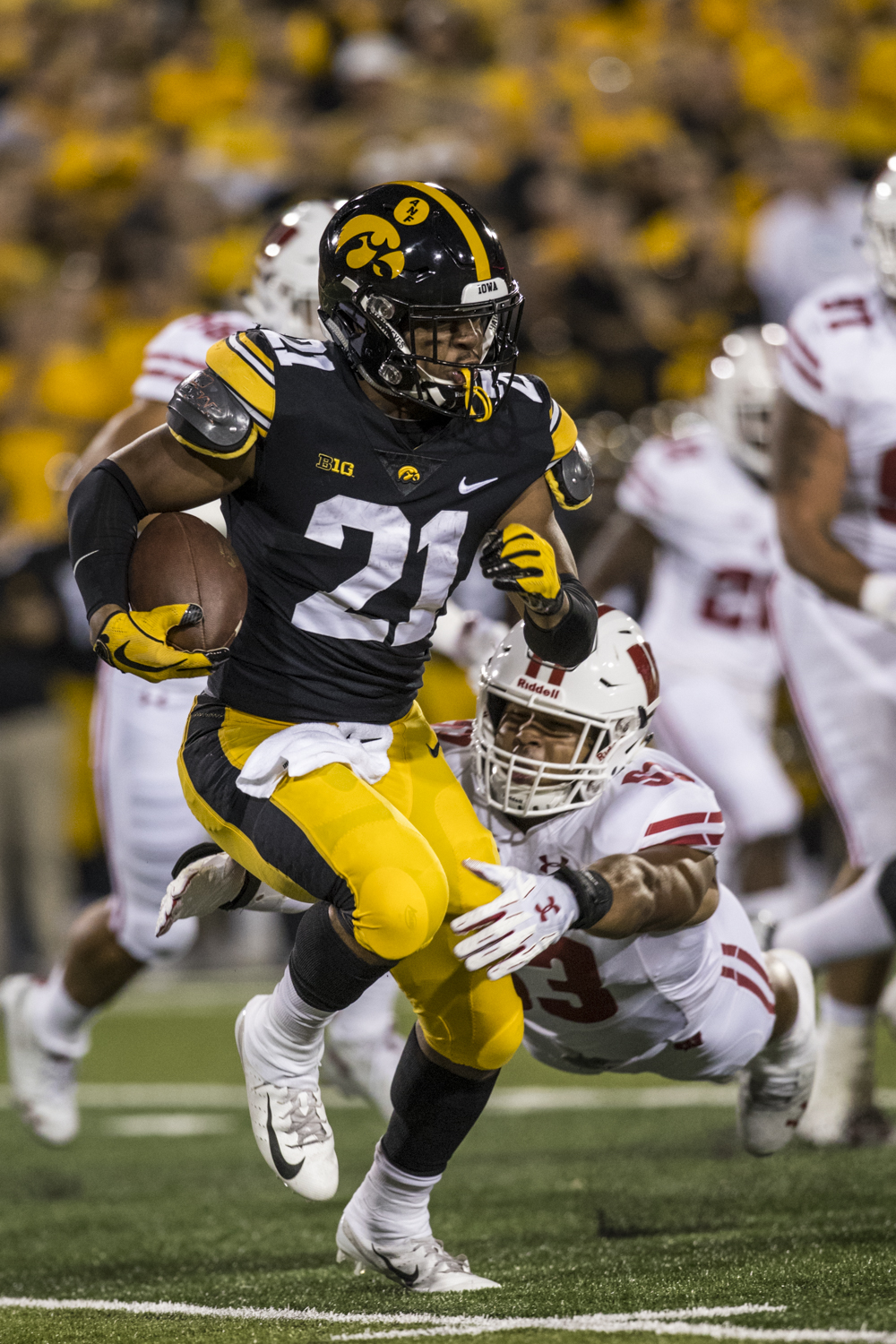 Iowa+running+back+Ivory+Kelly-Martin+carries+the+ball+during+Iowa%27s+game+against+Wisconsin+at+Kinnick+Stadium+on+Saturday%2C+Sept.+22%2C+2018.+The+Badgers+defeated+the+Hawkeyes+28-17.