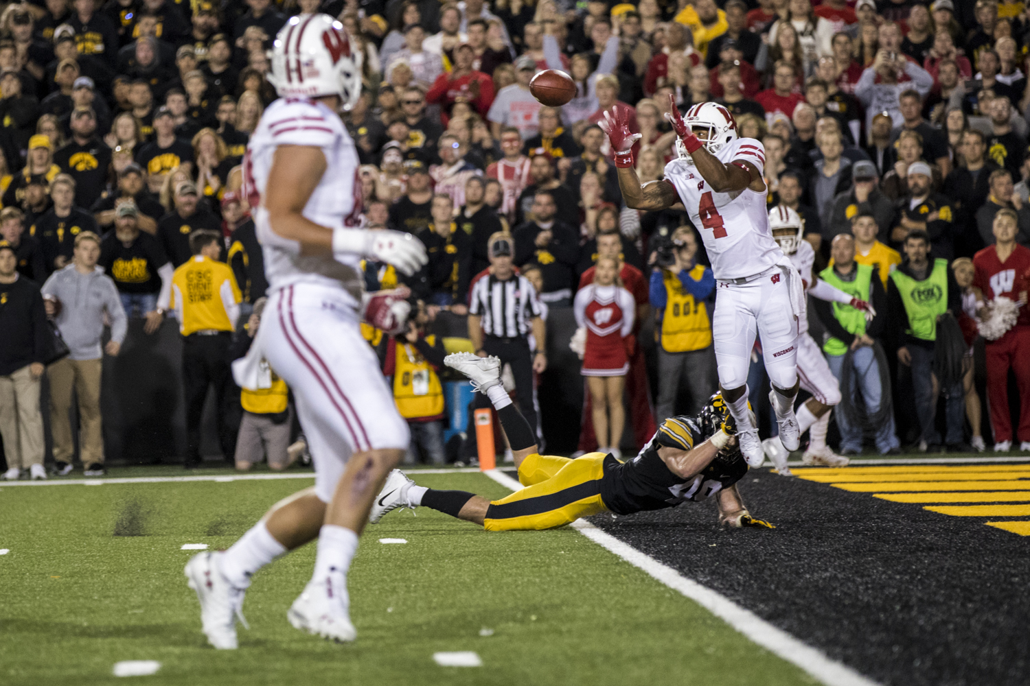Wisconsin wide receiver A.J. Taylor catches a touchdown pass during Iowa's game against Wisconsin at Kinnick Stadium on Saturday, September 22, 2018. The Badgers defeated the Hawkeyes 28-17.