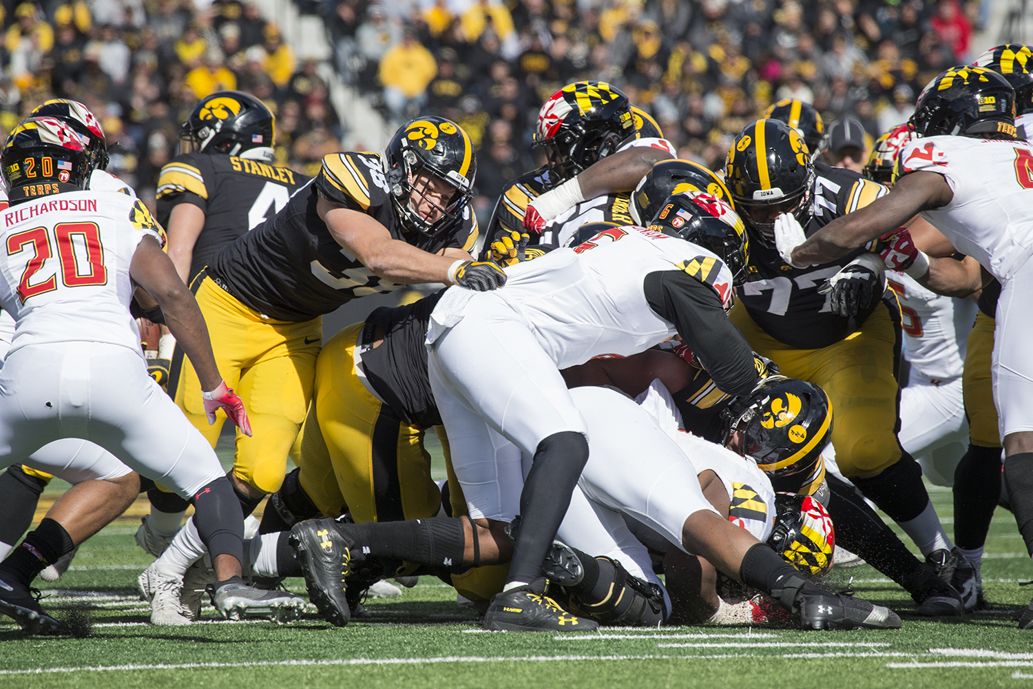 T.J+Hockenson+%2838%29+goes+for+a+Terrapin+during+the+Iowa+vs.+Maryland+game+at+Kinnick+stadium+on+Saturday+Oct.+20%2C+2018.+The+Hawkeyes+defeated+the+Terrapins+23-0.+