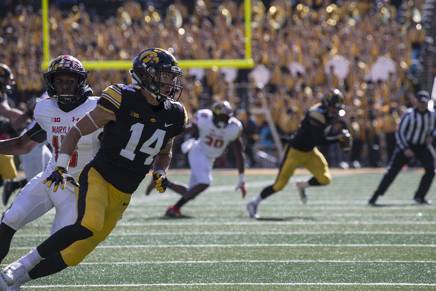 Hawkeye+Kyle+Groenewag+runs+towards+the+end+zone+during+the+Iowa+vs.+Maryland+game+at+Kinnick+stadium+on+Saturday+Oct.+20%2C+2018.+The+Hawkeyes+defeated+the+Terrapins+23-0.+