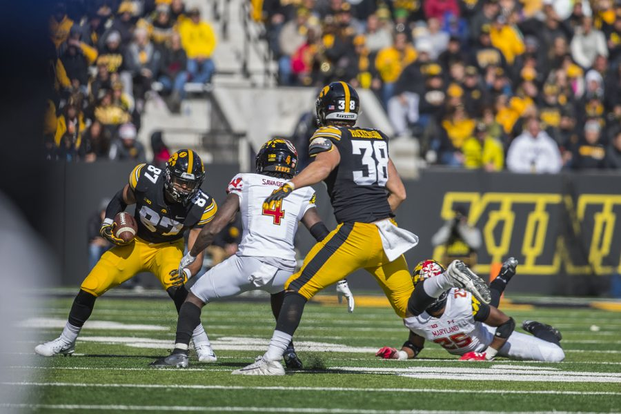 Iowa+tight+end+Noah+Fant+%2887%29+runs+the+ball+during+the+Iowa%2FMaryland+homecoming+football+game+at+Kinnick+Stadium+on+Saturday%2C+October+20%2C+2018.+The+Hawkeyes+defeated+the+Terrapins%2C+23-0.+