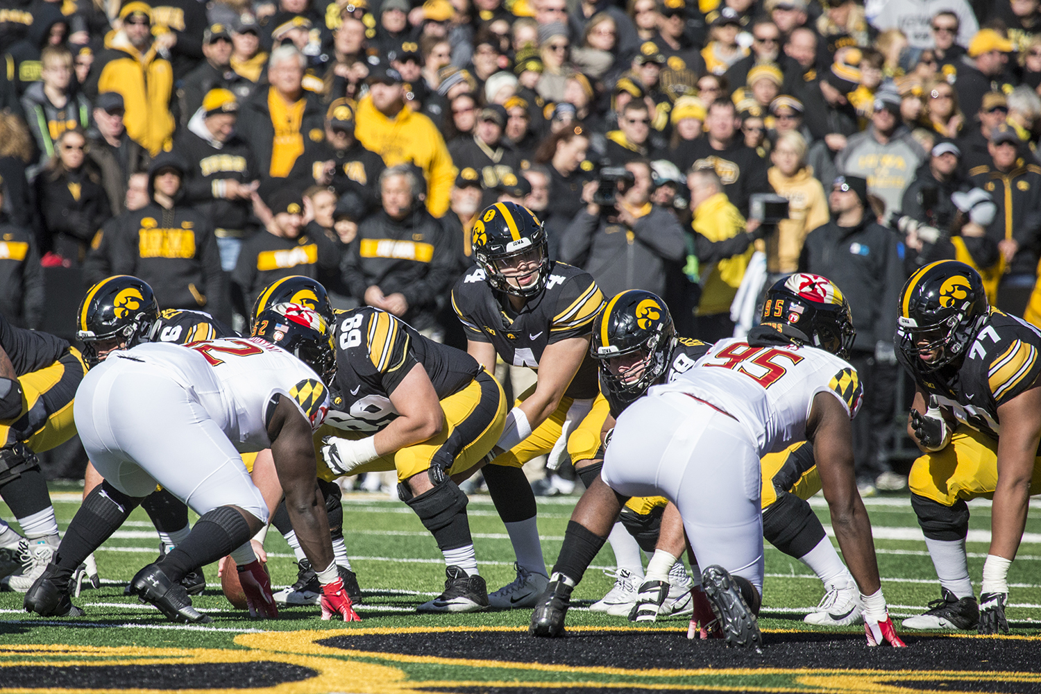 Iowa+quarterback+Nate+Stanley+surveys+the+defense+during+a+football+game+between+Iowa+and+Maryland+in+Kinnick+Stadium+on+Saturday%2C+October+20%2C+2018.+The+Hawkeyes+defeated+the+Terrapins%2C+23-0.