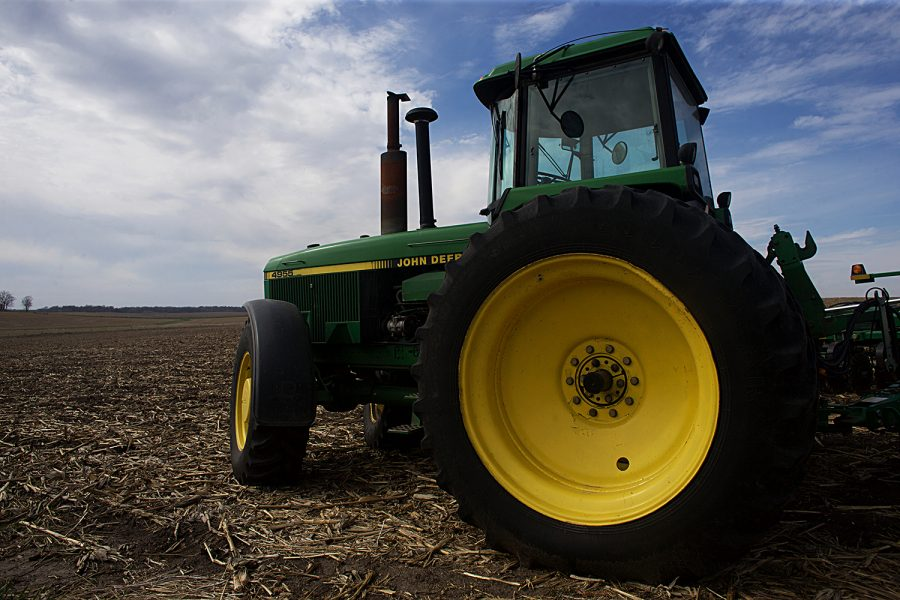 Iowa Farmers Facing Increased Mental Health Concerns The Daily Iowan