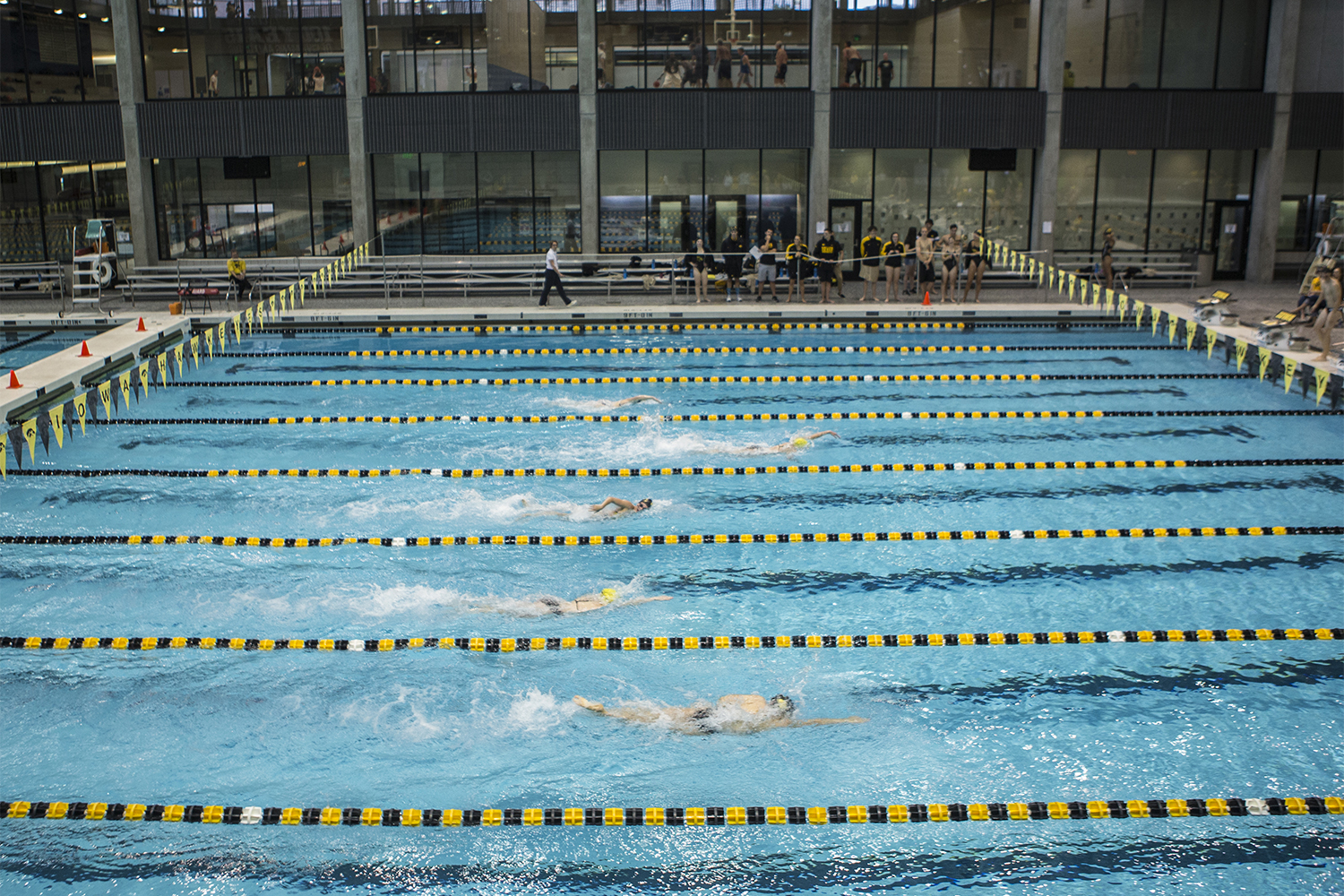 Swimmers+compete+in+the+200+meter+Freestyle+during+the+Iowa+Swimming+and+Diving+Intrasquad+Meet+at+the+Campus+Recreation+and+Wellness+Center+on+Saturday%2C+Sept.+29%2C+2018.