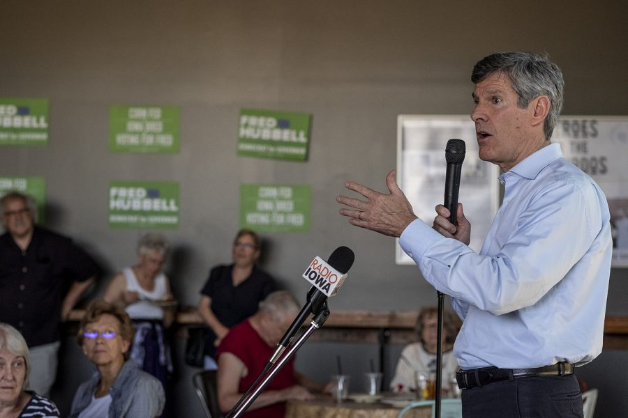 Iowa+gubernatorial+candidate+Fred+Hubbell+speaks+at+a+campaign+event+at+the+Big+Grove+Brewery+in+Iowa+City+on+June+3.