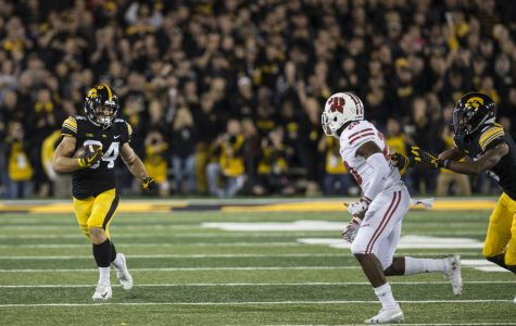 Point-counterpoint: Who should Iowa's offense target after the bye week?