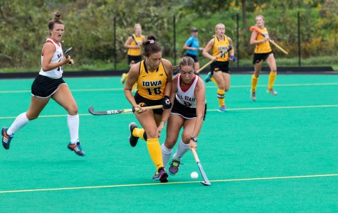 Hawkeye field hockey hosts two top-10 teams