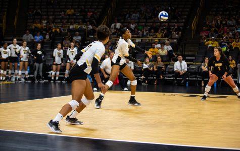 Hawkeye volleyball sweeps Scarlet Knights in New Jersey
