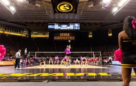 Hawkeye volleyball to take on Scarlet Knights on road
