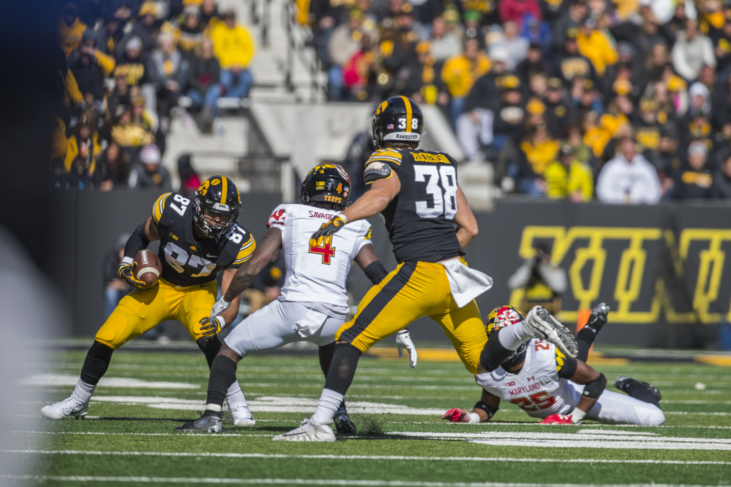 Arizona Cardinals should look at Iowa tight ends