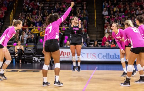 Iowa volleyball faces No. 3 Minnesota, No. 9 Wisconsin in tough weekend slate