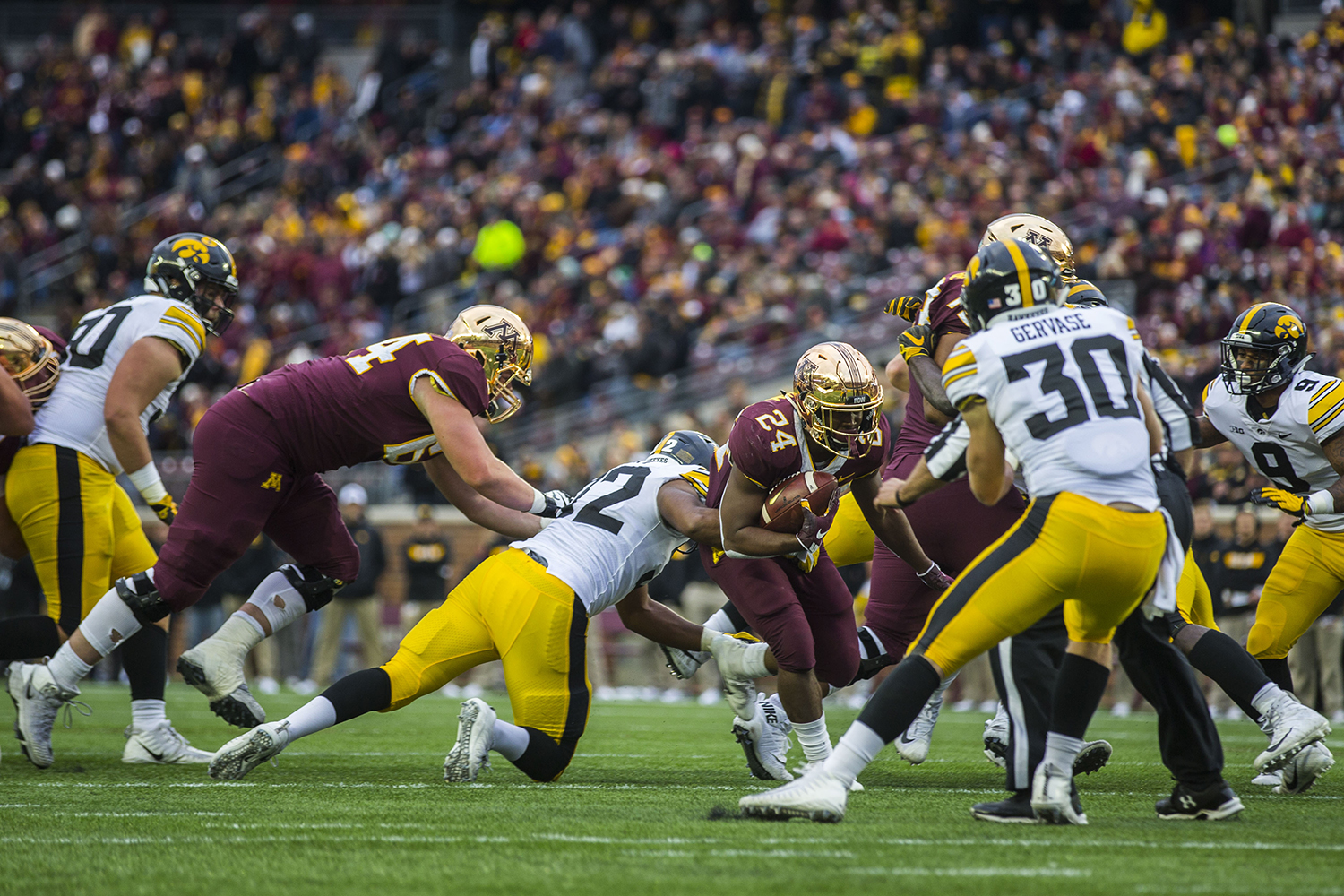 Minnesota%27s+Mohamed+Ibrahim+%2824%29+runs+the+ball+during+the+Iowa%2FMinnesota+football+game+at+TCF+Bank+Stadium+in+Minneapolis+on+Saturday%2C+October+6%2C+2018.+The+Hawkeyes+defeated+the+Golden+Gophers%2C+48-31.+
