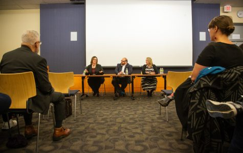 Public forum introduces Iowa City Public Library Director candidates