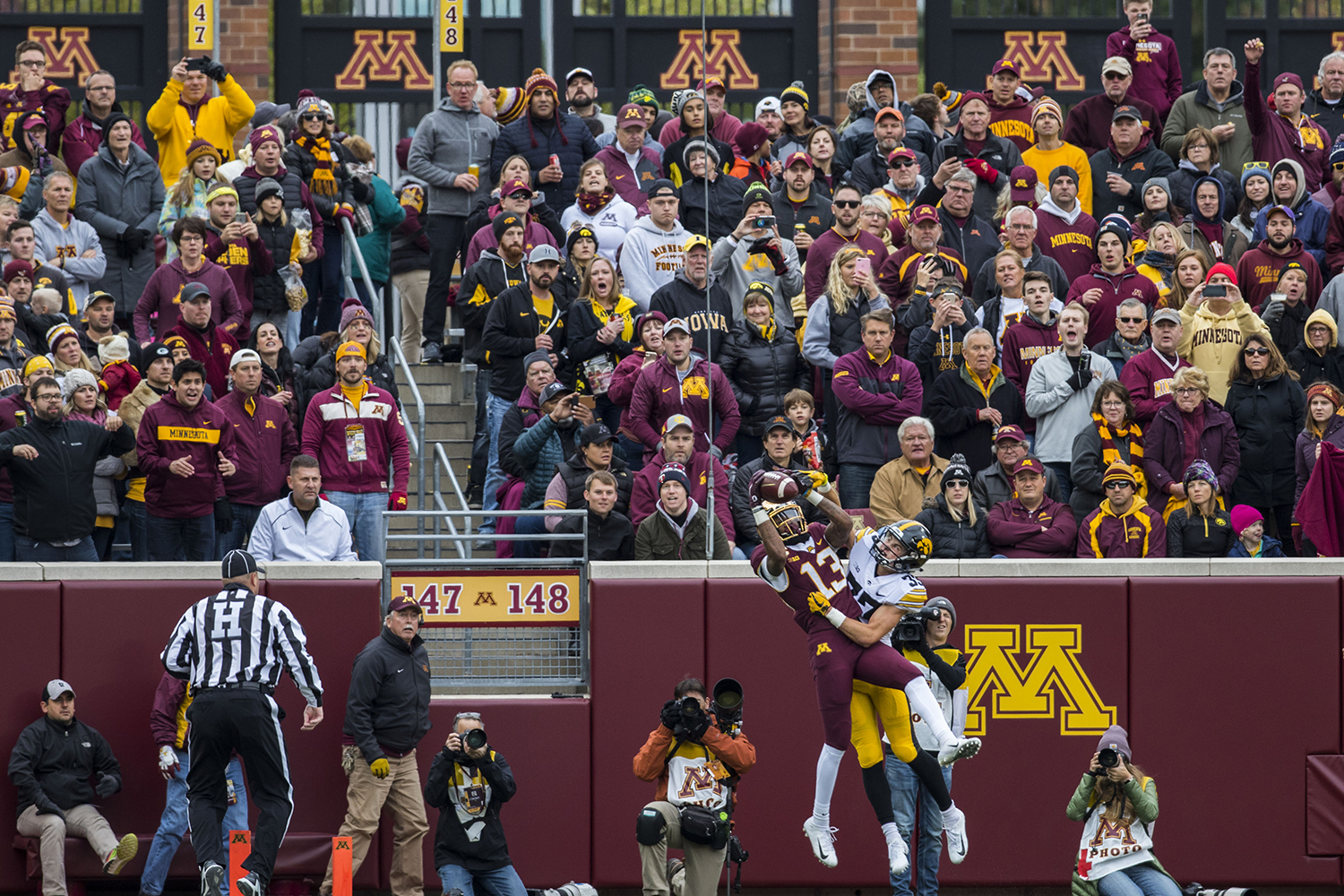 Minnesota%27s+Rashod+Bateman+catches+a+pass+during+the+Iowa%2FMinnesota+football+game+at+TCF+Bank+Stadium+in+Minneapolis+on+Saturday%2C+October+6%2C+2018.+The+Hawkeyes+defeated+the+Golden+Gophers%2C+48-31.+